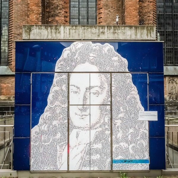 Leibniz in the old town of Hanover finished